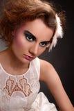 mujer de moda en fondo oscuro Imágenes de archivo libres de regalías