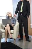 Mujer de negocios atractiva foto de archivo libre de regalías