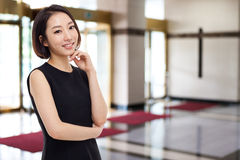 Mujer de negocios bastante asiática de Yong Imagen de archivo