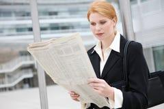 Mujer de negocios bonita Foto de archivo libre de regalías