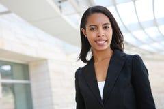 Mujer de negocios bonita del afroamericano foto de archivo libre de regalías