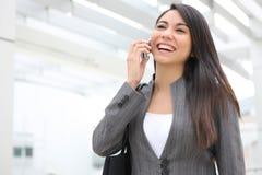 Mujer de negocios bonita en el teléfono Foto de archivo libre de regalías