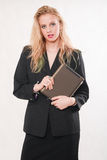 Mujer de negocios caucásica rubia atractiva imágenes de archivo libres de regalías