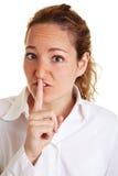 Mujer de negocios con el dedo índice Fotografía de archivo