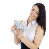 Mujer de negocios con el efectivo disponible fotos de archivo