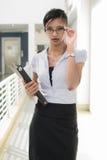 Mujer de negocios de interior Imágenes de archivo libres de regalías