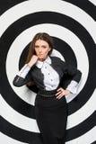 Mujer de negocios de moda en un fondo de Foto de archivo