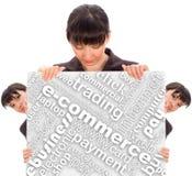 Mujer de negocios detrás de un Libro Blanco Foto de archivo
