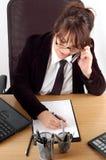 Mujer de negocios en el escritorio #16 Imagen de archivo libre de regalías