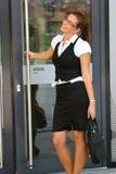 Mujer de negocios en la ciudad Imagenes de archivo