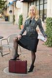 Mujer de negocios en la ciudad Imagen de archivo libre de regalías