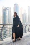 Mujer de negocios en un abaya Fotografía de archivo libre de regalías