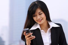 Mujer de negocios en un teléfono Imagen de archivo