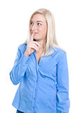 Mujer de negocios encantadora joven lista y tímida aislada en el bl azul Fotos de archivo