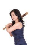 Mujer de negocios hispánica con el bate de béisbol en manos Fotos de archivo libres de regalías