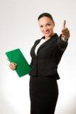 Mujer de negocios joven acertada Fotos de archivo libres de regalías