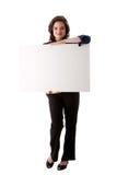 Mujer de negocios joven con la tarjeta blanca Fotos de archivo libres de regalías