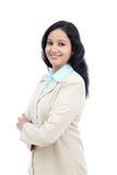 Mujer de negocios joven con los brazos cruzados Fotos de archivo libres de regalías