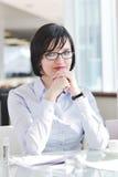 Mujer de negocios joven en la reunión Imágenes de archivo libres de regalías