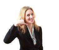 Mujer de negocios joven que me hace una llamada muestra Fotos de archivo