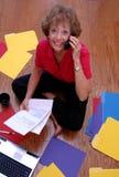 Mujer de negocios maduros ocupada Fotos de archivo libres de regalías