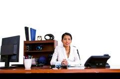 Mujer de negocios ocasional en oficina fotos de archivo libres de regalías