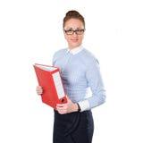 Mujer de negocios que lleva a cabo documentos del folderwith disponibles Imágenes de archivo libres de regalías