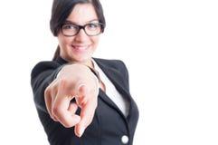 Mujer de negocios que me elige o que culpa Foto de archivo