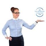 Mujer de negocios que muestra el espacio de la copia para arriba Imagen de archivo
