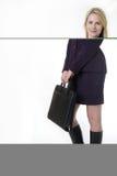 Mujer de negocios rubia acertada imagen de archivo