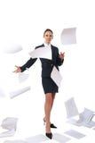 Mujer de negocios y papel del vuelo Fotografía de archivo libre de regalías