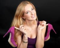 Mujer de pelo rubio joven hermosa fotografía de archivo libre de regalías