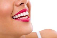 Mujer de risa con los grandes dientes Foto de archivo libre de regalías