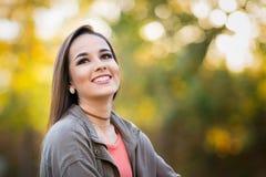 Mujer de risa hermosa imágenes de archivo libres de regalías