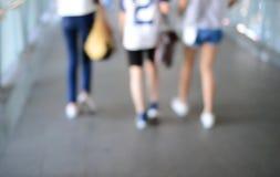 Mujer del adolescente del od de las piernas de la falta de definición Imagen de archivo libre de regalías