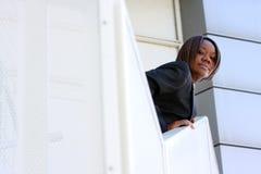 Mujer del afroamericano en oficina Foto de archivo libre de regalías