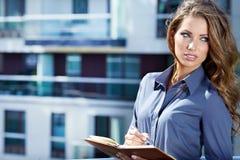 Mujer del agente inmobiliario foto de archivo libre de regalías