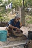 Mujer del alfarero Imagenes de archivo