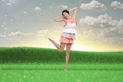 Mujer del baile en vestido coloreado Fotos de archivo libres de regalías
