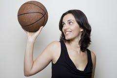Mujer del baloncesto Fotos de archivo libres de regalías