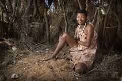 Mujer del bosquimano de San foto de archivo libre de regalías