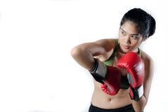 Mujer del boxeador con el guante rojo Fotos de archivo