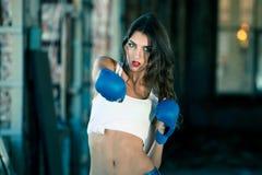 Mujer del boxeo Fotos de archivo