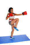 Mujer del boxeo en la estera azul Imágenes de archivo libres de regalías