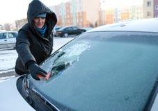 Mujer del coche del invierno Imagen de archivo