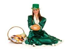 Mujer del día de fiesta del St Patrick Fotografía de archivo libre de regalías