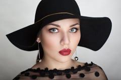 Mujer del estilo del vintage Imágenes de archivo libres de regalías