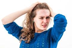 Mujer del pánico con las manos en la cabeza Imagen de archivo libre de regalías