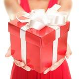 Mujer del regalo foto de archivo libre de regalías