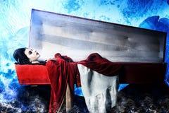 Mujer del vampiro imagenes de archivo